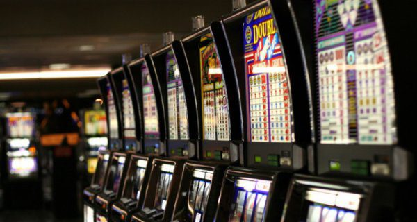 Полицейские изъяли 15 игровых автоматов на ул. Посадского