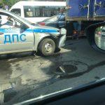 В Саратове автомобиль ДПС стал участником аварии